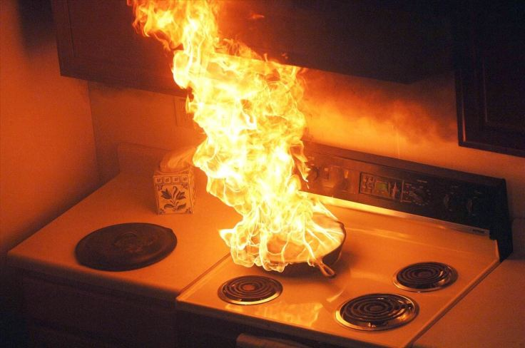 safely-put-out-grease-fire-and-prevent-them-altogether.w1456